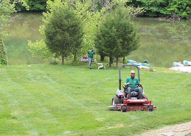 lawn mowing knoxville tn
